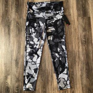 NWT Mono B Workout Leggings